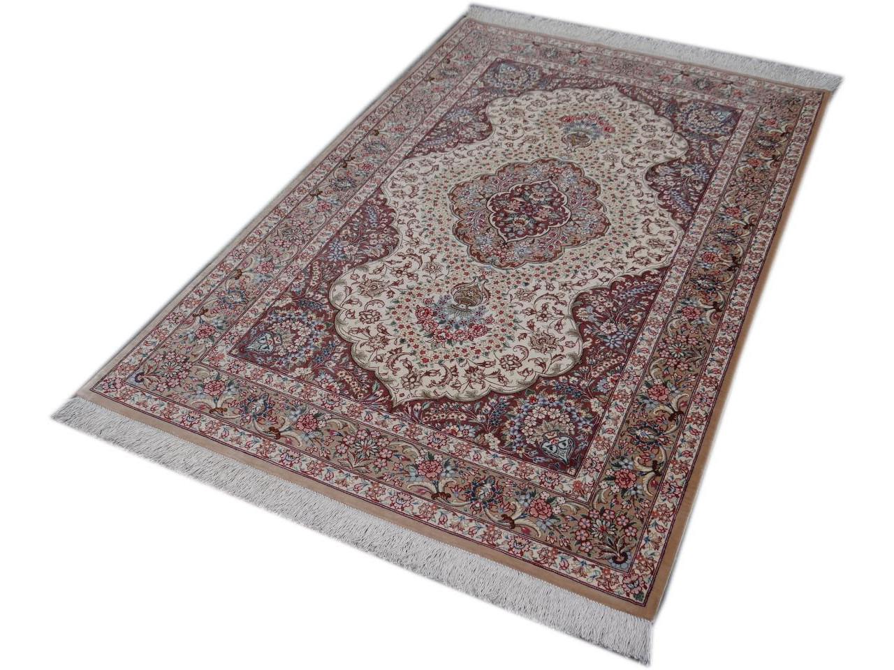 Nettoyer un tapis shaggy tags nettoyer un tapis shaggy tapis colore le tap - Nettoyer un tapis en soie ...