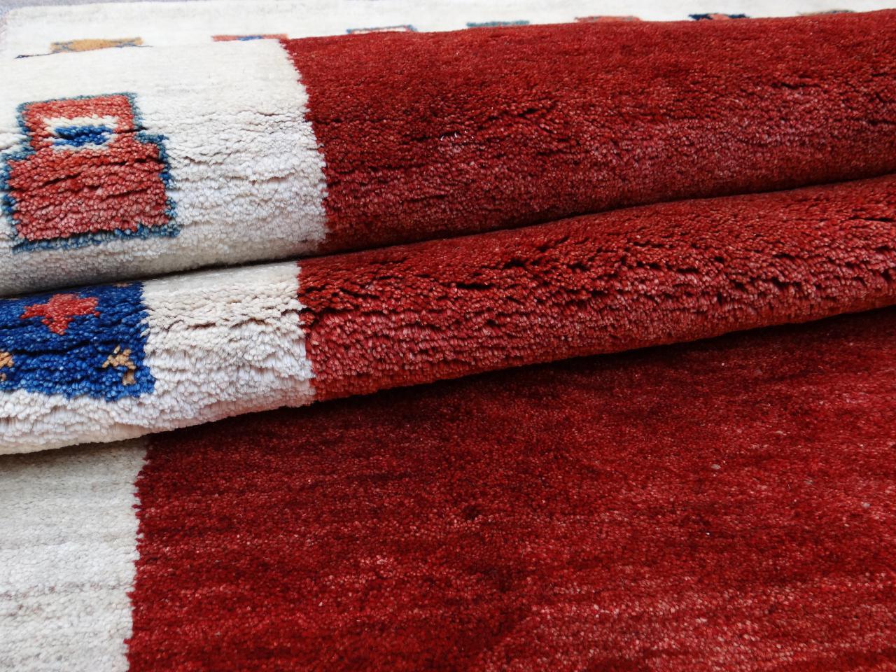 Gabbeh imanlou etnische tapijten n 2556 293x208cm - Etnische pouf ...