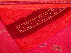 Lori-Dream-Gold rouge 300x250