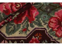 Kilim Floral Roses Old 297x174