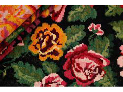 Kilim Floral Roses Old 326x202