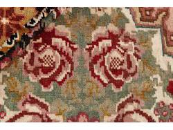 Kilim Floral Roses Old 209x204