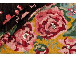 Kilim Floral Roses Old 281x196