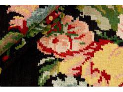 Kilim Floral Roses Old 318x191