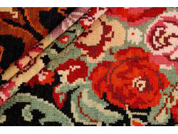 Kilim Floral Roses Old 326x205